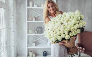 Статусы про девушек и цветы
